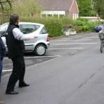 Szene 1: Drei Freunde treffen sich auf der Strasse