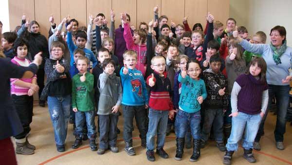 Gruppenbild-Klasse-wir-singen-600