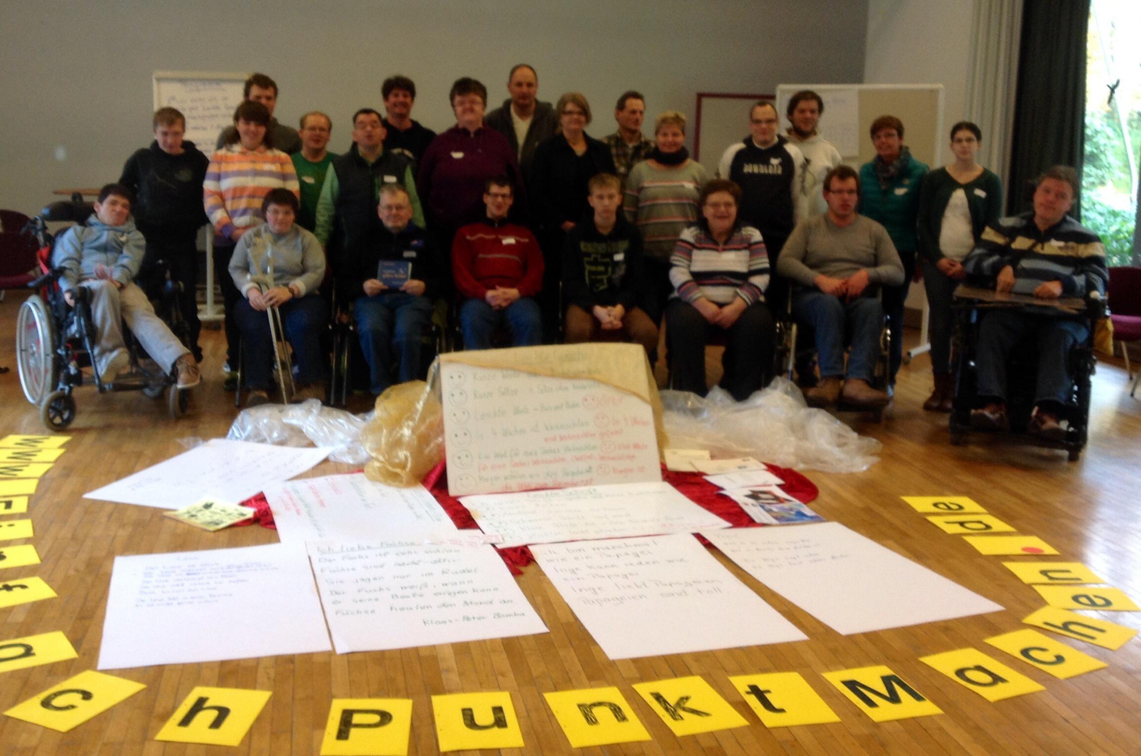Wir sind die Macher von EinfachPunktMachen. Am 20.11.2013 haben wir ein großes Redaktionsteam-Treffen gemacht.