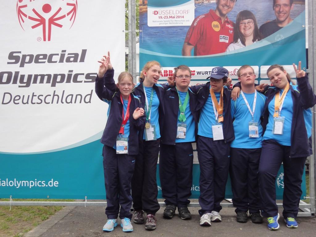von links: Sarah Korwes, Lena Schmitfranz, Janik Westfechtel, Malte Tillmann, Thomas Röttger und Michelle Brun
